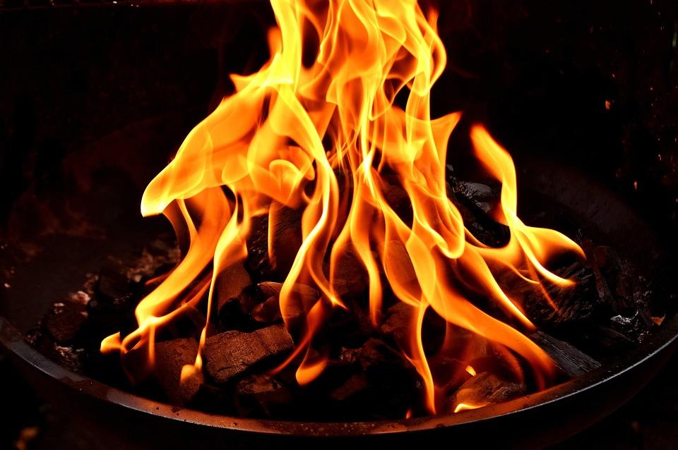 THƠ CỰC NGẮN PHẠM BÁ CHIỂU Fire-2828309_960_720